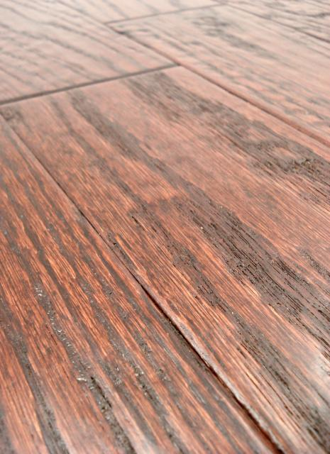 Lw mountain hardwood floors oak merlot stain one strip for Click hardwood flooring